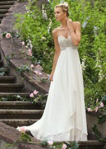 Платье в стиле ампир с декором на лифе