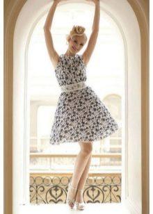 Платье в стиле 50-х цветочное