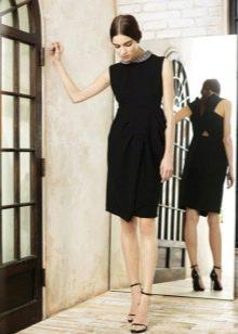 Платье-футляр в стиле Шанель черное
