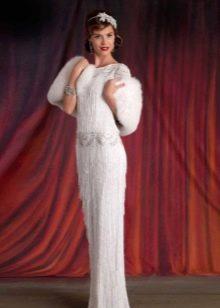 Платье в стиле ретро с мехом