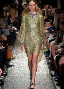 Платье  в стиле диско с рукавом