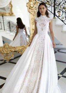 Подвенечное платье с кружевом