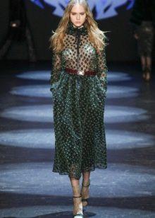 Приталенное платье миди зеленое