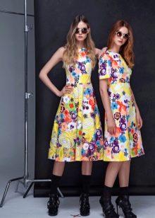 Приталенное  платье с цветочным принтом