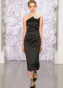 Приталенное  платье черное