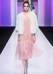Полушубок под зимнее розовое платье