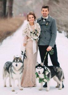 Зимнее платье свадебное бежевое