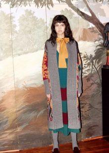 Зимнее платье вязаное с принтом