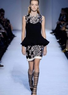 Зимнее короткое платье