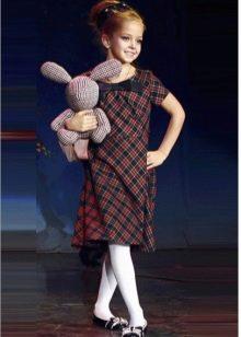 Клетчатое платье для девочек 9-11 лет