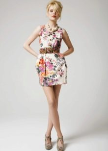Короткое платье для девочек 12-14 лет
