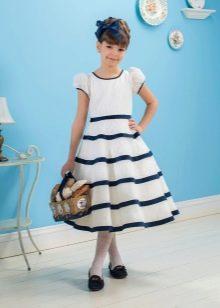 Летнее платье для девочки в синюю полоску