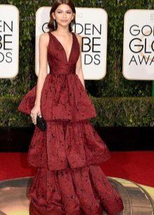 Модное платье 2016 года цвета марсала