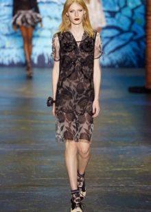Модное платье миди 2016 года прямого кроя без рукавов с V-образным вырезом
