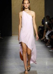Модное платье-маллет с асимметричным верхом сезона весна-лето 2016 года