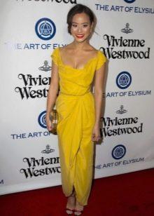 Модное желтое платье сезона весна-лето 2016 года