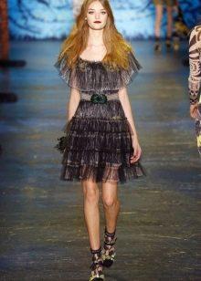 Модное полупрозрачное платье сезона весна-лето 2016 года с воланом