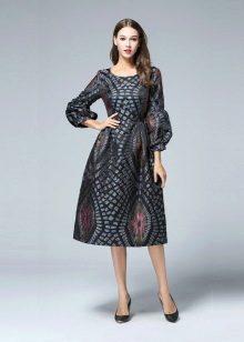 Модное платье в стиле Нью лук сезона осень-зима 2016 года