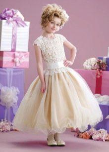 Нарядное пышное с заниженной талией платье для девочки