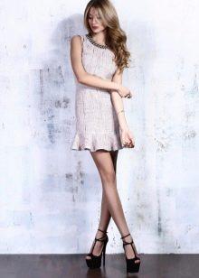маленькое твидовое платье с декоративной горловиной