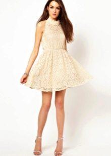 Кружевное платье для подростка