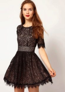 Черное гипюровое платье для подростков
