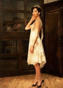 платье из батиста с открытой спиной
