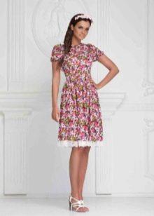 платье из батиста с цветочным принтом
