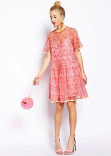 розовое платье из органзы