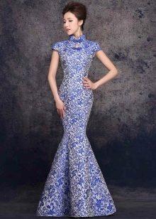 платье-русалка из голубой парчи