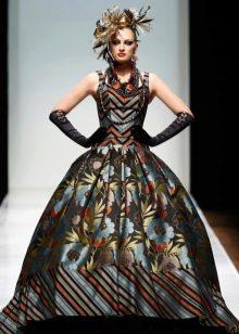 узорчатое платье из парчи