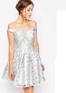 белоснежное платье из парчи
