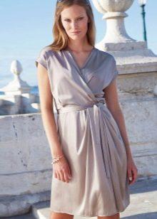 простое платье из сатина