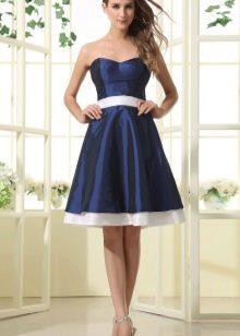 сатиновое платье с открытытм лифом