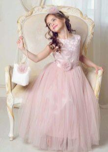 Розовое платье на выпускной 4 класс