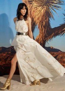 Ботинки к белому платью с разрезом