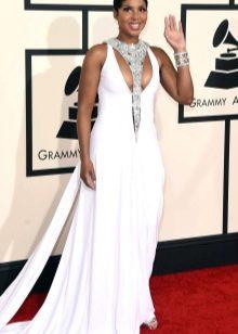 Серебряные украшения к белому длинному  платью