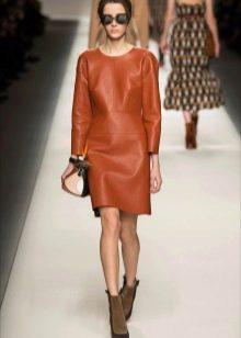 Обувь к кожаному платью коричневому на каждый день