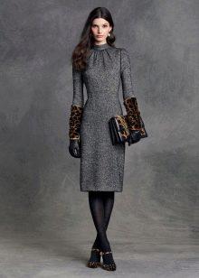 Платье миди с леопардовыми аксессуарами