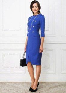 Сумка к синему платью-футляру