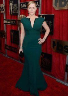 Зеленые украшения к зеленому платью