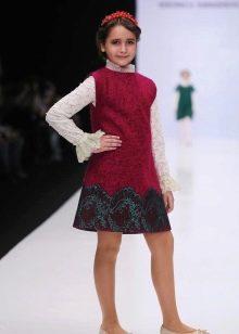 Школьное платье для девочек красное