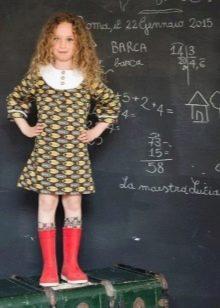 Школьное платье для девочек с узором