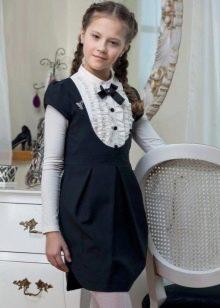 Школьное платье для девочек с коротким рукавом короткое