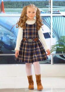 Школьное платье для девочек А-силуэта в клеточку
