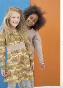 Трикотажное платье для девочки с принтом