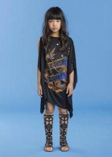 Трикотажное летнее платье для девочки с рукавами