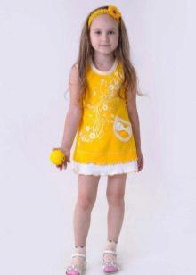 Трикотажное летнее платье для девочки желтое