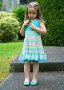 Вязаное платье для девочки спицами летнее