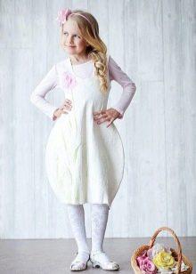 Выпускное платье в детский сад с юбкой тюльпан белое